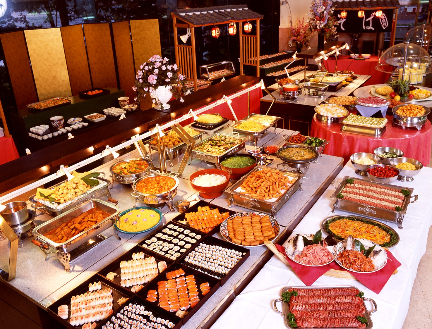 Los diabólicos desayunos buffet de los hoteles | Con dos cubitos